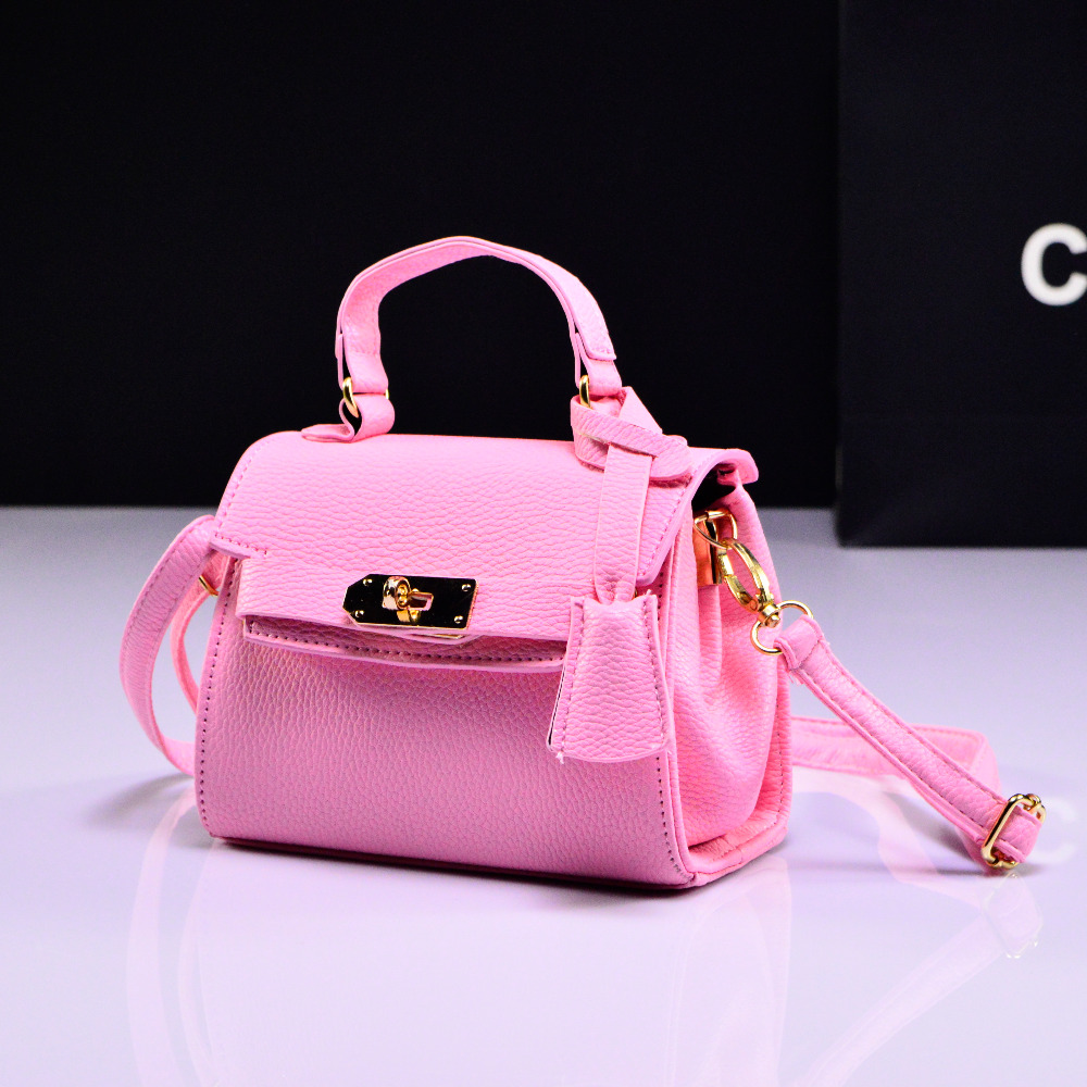 Aliexpress.com   Buy 2018 New Fashion Handbag Cute Kids Purse Children  Fashion Brand leather Princess Party Crossbody Bag For Baby Girls from  Reliable bag ... 3a003f3435246