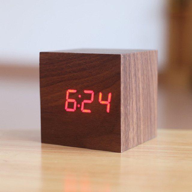 003ccc2a04e Cubo de madeira LED Alarm clock