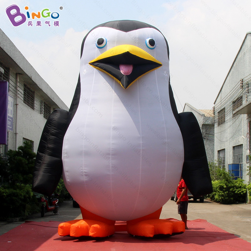 Customized decorative 5 meters tall giant inflatable penguin digital printing blow up standing penguin replicas for display toys free shipping 10m giant inflatable octopus model with digital printing for advertising blow up squid for decoration show toys