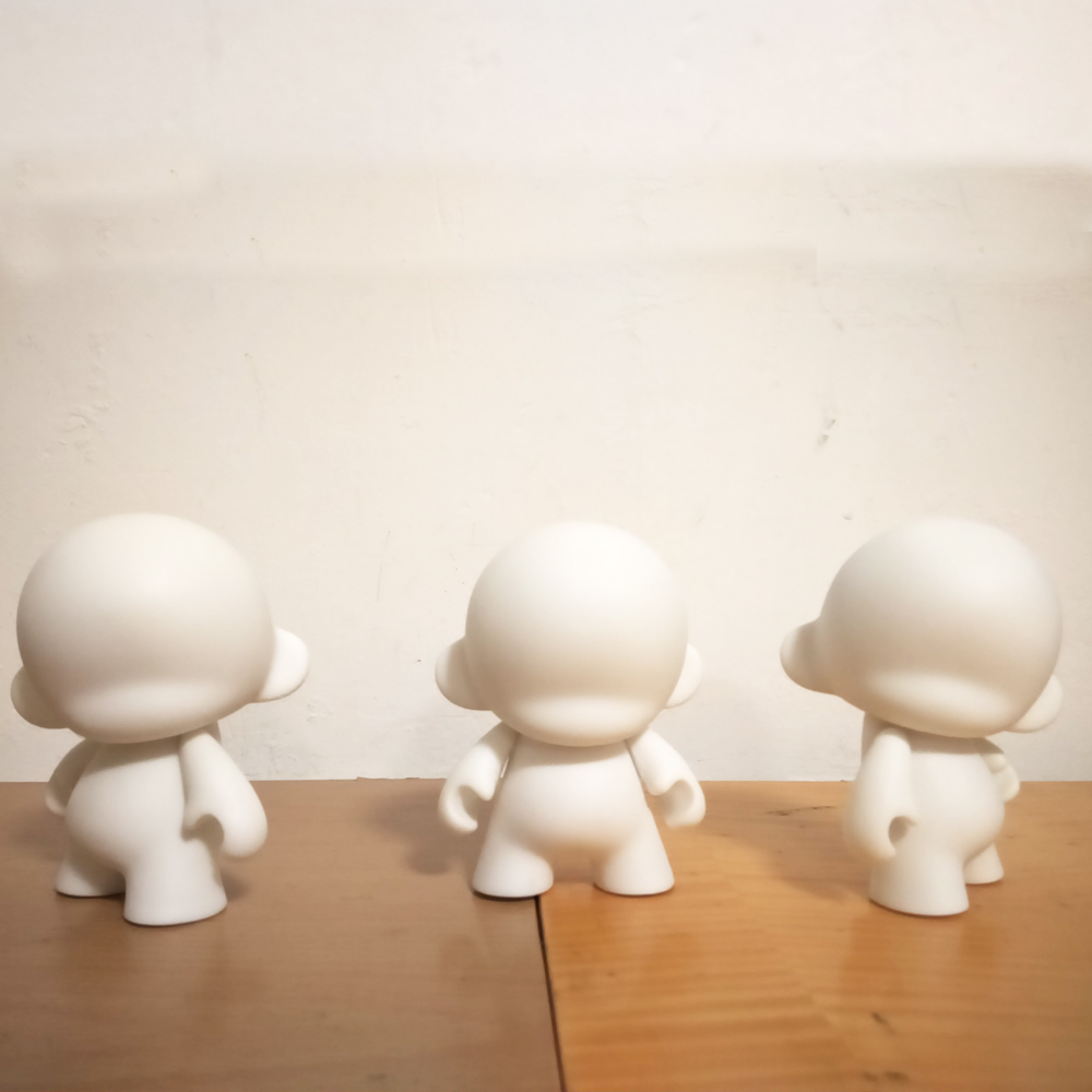 5 հատ 4 դյույմ Kidrobot munny սպիտակ սև DIY - Խաղային արձանիկներ - Լուսանկար 3