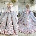 2017 vestido de Bola Vestidos de Quinceañera Fuera Del Hombro Apliques de Flores de Raso Arcos Vestidos de Baile Ilusión Volver Capilla Tren Vestidos de Baile