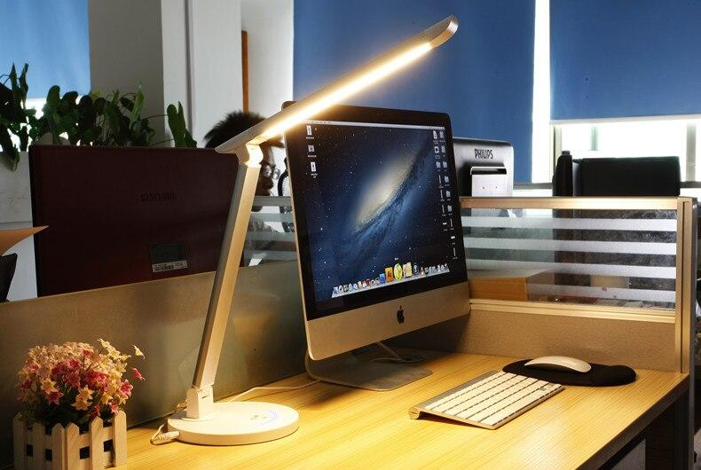 Nouvelle lampe de bureau LED avec température de couleur modifiable par 5 niveaux 7 w TZ-003U lampe de travail pliante à long bras LED avec port USB