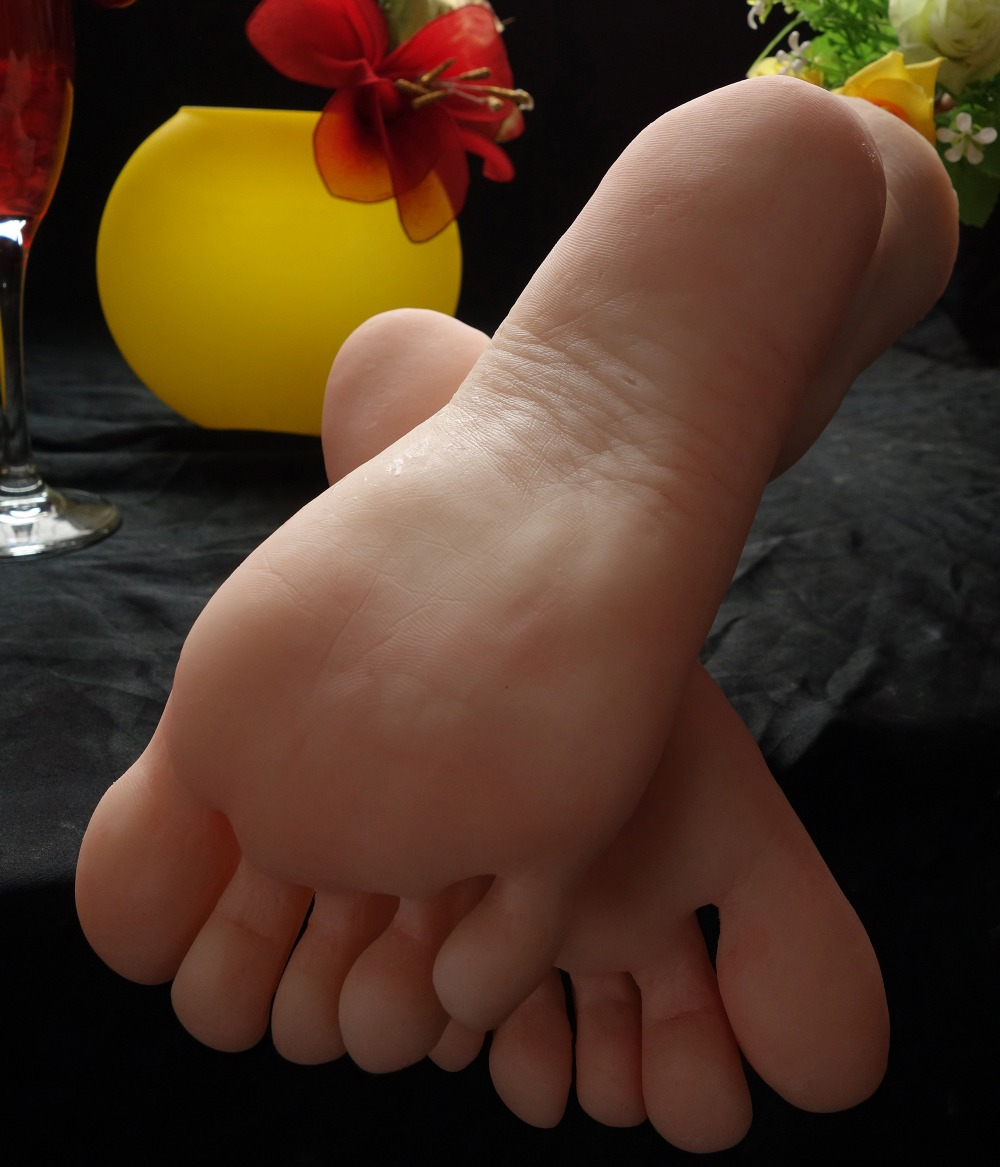 цена Latest silicon gymnast girl ballerina dancer feet foot fetish toes pointing foot model toy doll free shipping Love
