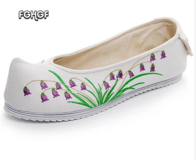 Ballet Flats Shoes Women Embroidered Shoes For Women Canvas Casual Slip On Shoes Woman Loafers Espadrilles Mocasines Mujer vintage women flats old beijing mary jane casual flower embroidered cloth soft canvas dance ballet shoes woman zapatos de mujer