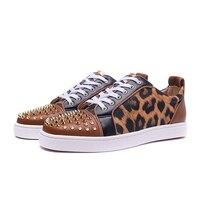 Мужские кроссовки леопардовой расцветки с низким берцем, большие размеры, повседневная обувь на шнуровке, с металлическими заклепками, из н