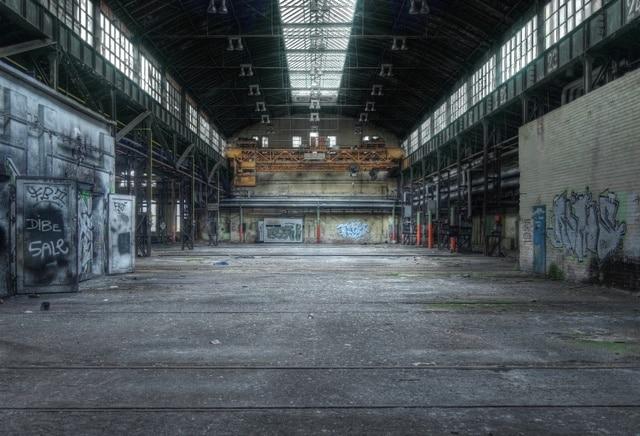 Laeacco Photographic Backgrounds Old Deserted Factory Workshop Way Graffiti Child Portrait Interior Photo Backdrops Photo Studio