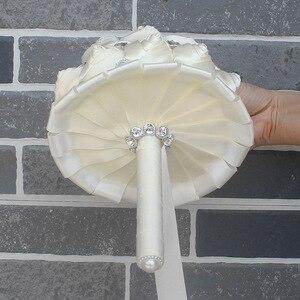 Image 5 - WifeLai EINE 1 Stück Creme Elfenbein Künstliche Blumen Braut Brosche Bouquets Stunning Kristall Stich Brautjungfer Hochzeit Bouquets W236