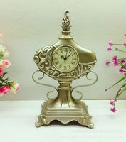 TUDA Free Shipping 8 Inch Classical Style Table Clock Retro Golden Resin Table Clock for Living Room Decoration Mute Table Clock