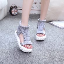 MSหญิงในฤดูร้อนของปี2016ในแฟชั่นรองเท้าออกแบบกับรองเท้าแบนโจ๊กนักเรียนฟองน้ำหนาพื้นรองเท้า