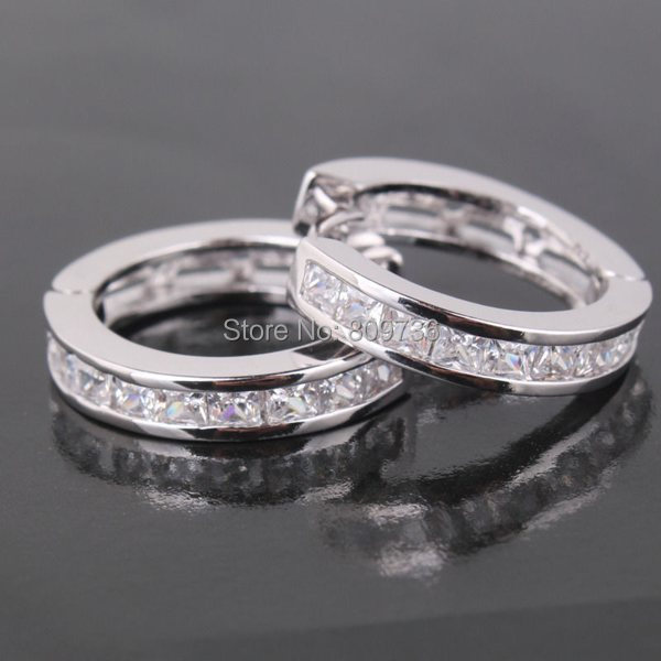 White Gold Filled Princess Crystal Attractive Huggie Earring Women Men Fashion Hoop Earrings Jewelry Free Ship In From