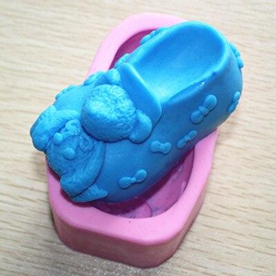 US $12.88  Bear patroon Baby schoen vorm Siliconen zeep schimmel fondant cakevorm handgemaakte klei craft mold DIY tools in Bear patroon Baby schoen