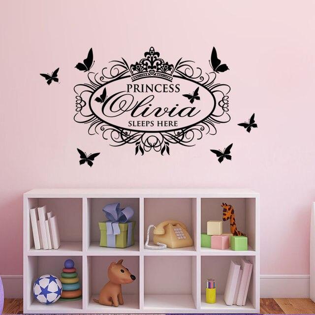 G320王女睡眠ここカスタム名前壁デカールビニール浸かるウォールステッカー用女の子寝室decoratiionアート壁画壁紙