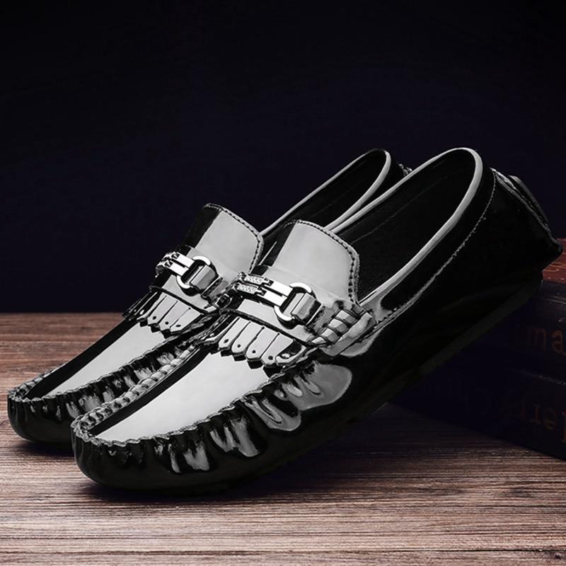 Pour Chaussures vin Noir En Hommes Décontractées Glissement De Verni Gland blanc Mocassins Cuir Zapatos Mujer Mode Nouveau Appartements Sur Des Conduite Rouge 543ARjL