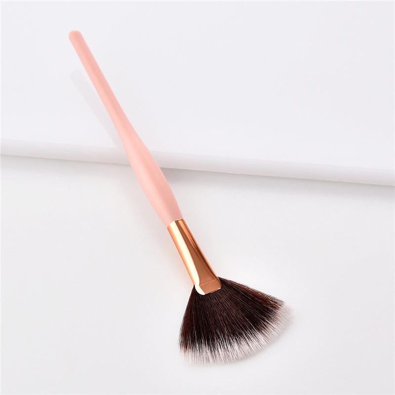 1Pcs Mini Fan Brush Cute Makeup Brushes High Quality Black Hair Blending Brush Eyeshadow Gold Aluminum Contour Blush Brush