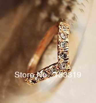 Amant vente chaude élégante couleur or bague de mariage faite avec de véritables cristaux autrichiens pleine taille en gros