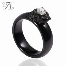 TL New Fashion Ceramic Rings Black & White Rose Pattern Rings Zircon Flower Core Smooth Wedding Rings For Women Ceramic Jewelry