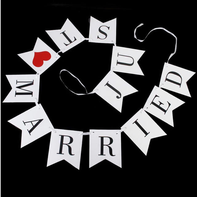 """""""Just Married"""" Paper Garland for Wedding"""