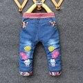 Calças de brim Voor Meisjes Bebê Lange Broek Borduren Libellen en bloemen Bebê lente Broeken Zuigeling Meisjes Jeans Broek