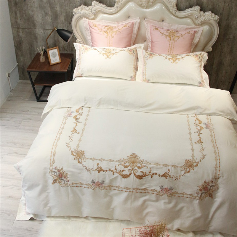 2018 white embroidery bedding sets 4 piece egyptian cotton satin King size duvet cover queen size bed sheets free shipping2018 white embroidery bedding sets 4 piece egyptian cotton satin King size duvet cover queen size bed sheets free shipping