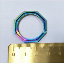 1 unids 29mm llavero EDC Acampar al aire libre herramienta Hikting 100% octogonal hebilla colgante Llaveros anillo dominante titanium TC4 CNC mecanizado