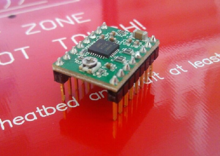 Freeshipping Reprap Stepper Driver A4988 Stepper Motor Driver Module with Heatsink