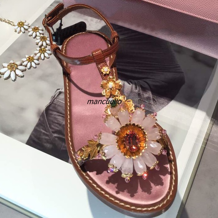 Gorgeous Crystal Sunflower Flat Sandals Brown PU Leather T-strap Metal Flowers Decorated Dress Sandals Sexy Open Toe Buckle Shoe flowers mexican sunflower motorola droid 2 skinit skin