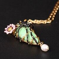 Les Nereides Elegant Gold Insect Pendant Necklaces Green Gem Fashion Spider Flower Long Link Chain Women