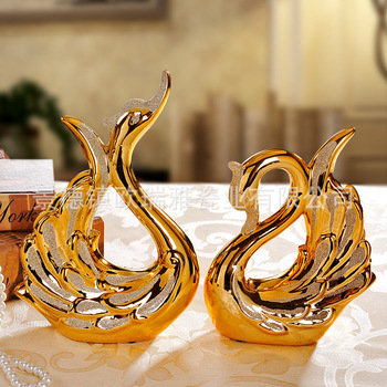 Ceramic swans living room ornaments home decorations wedding gift couple decoration plating