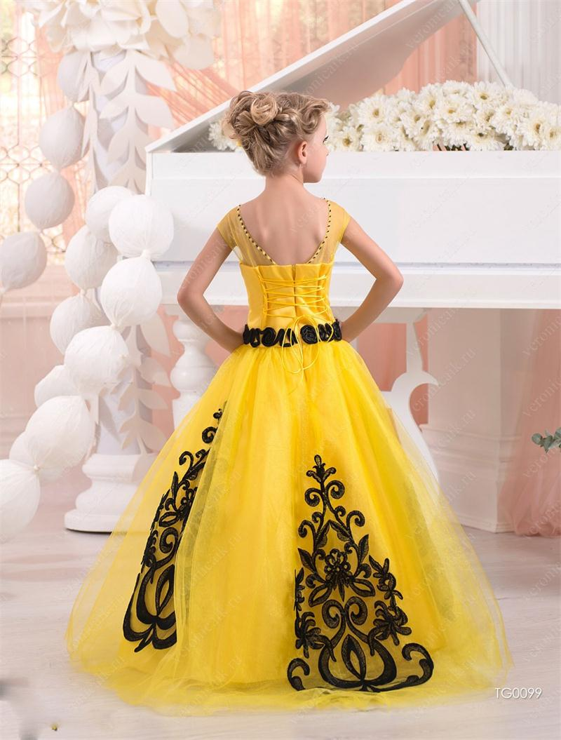 2016 Yellow Ball Gown Flower Girl Dresses With Black Lace Applique