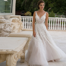2016 New V-Ncek Lace A-Line Wedding Dresses With Appliques Backless Floor-Length Plus Size Bridal Gowns Robe De Mariage W221