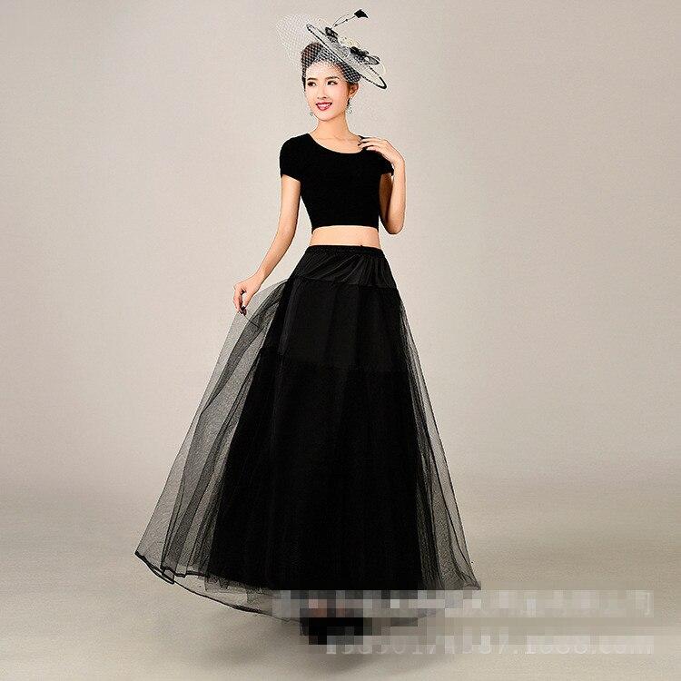 Vestido negro para una boda de noche