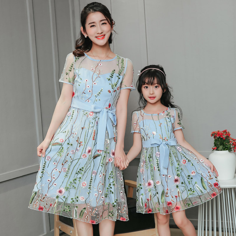 New Mom Girl Mother And Daughter Dresses Netting Embroidery Skirt Long Matching Mother Daughter Clothes Family Look Match Summer