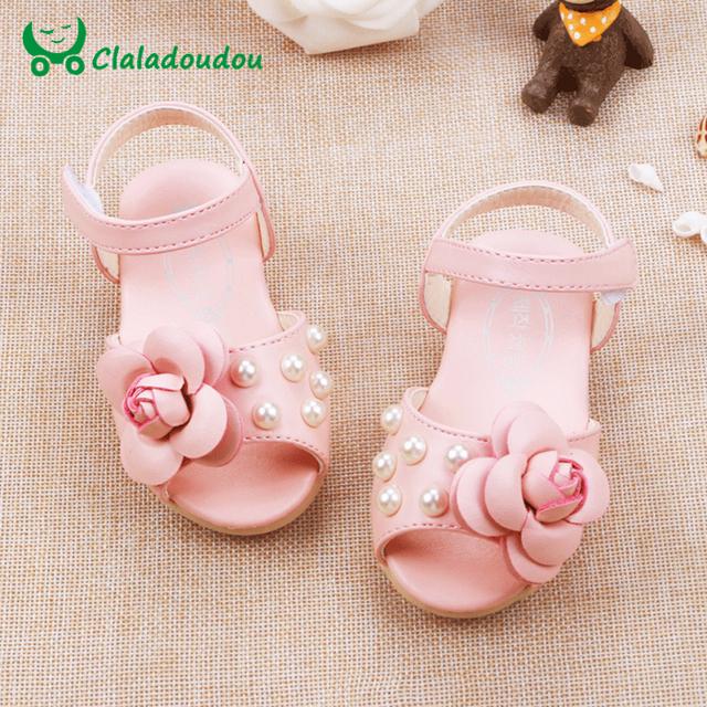 Sandálias do bebê Meninas Sapatos Para Criança Com Flor Bonito Pérola New Born Andador Para Crianças Palmilha 12.3-14.3 CM AX525-8X