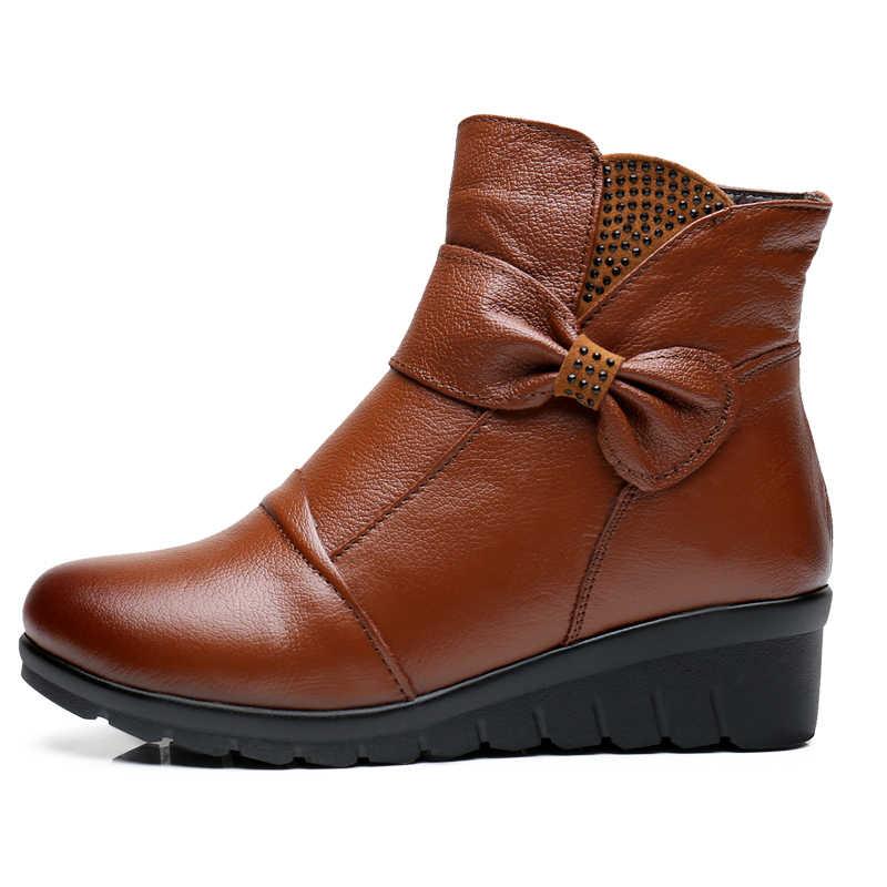 ZZPOHE 2017 Kış Yeni Kadın Ayakkabı Kadın Hakiki Deri Düz yarım çizmeler yaşlı Artı boyutu Sıcak Kar Botları Anne pamuklu ayakkabılar