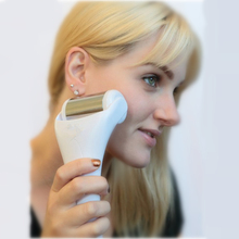 2016 New Derma Ice Roller Puffy Eyes Reducer Soothe Acne Breakouts High Quality Stainless Steel Derma Roller for Youthful Skin