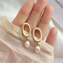 Fashion Metal geometry pearl earrings female Freshwater pearls stud Trendy natural freshwater for women