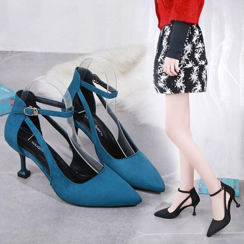f951c8273f345 2019 Sandales bleu Pointu Boucle Coréenne Et Mode Des Femmes Talons Hauts  Sauvage Noir De rose Romaines Mot Nouvelle Printemps Un Marée Chaussures ...
