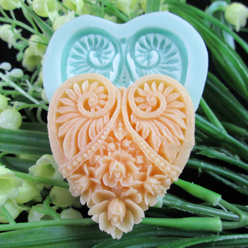Heart shaped flower Arylic Resin Flower silicone mold,fondant molds,sugar craft tools,chocolate mould , candle molds for cakes