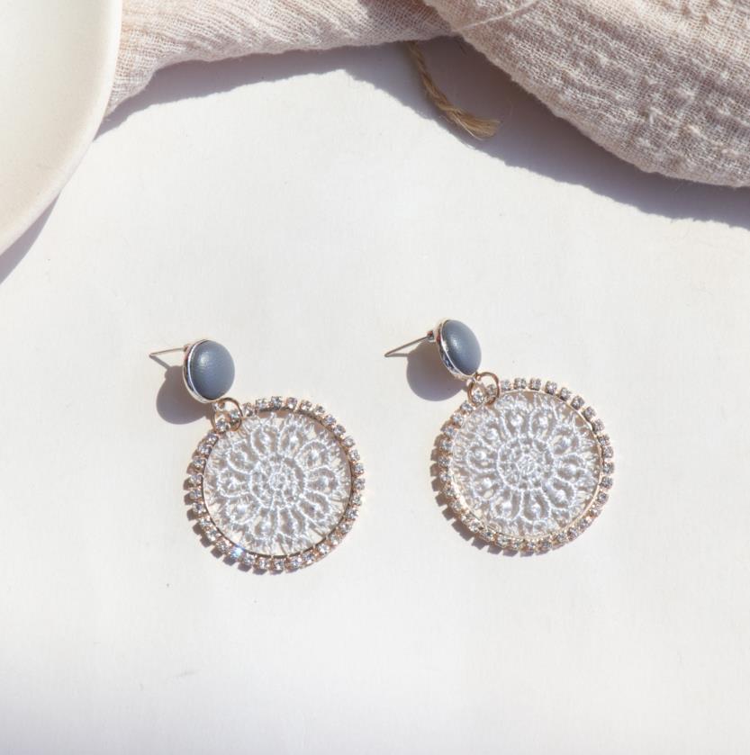 AOMU 2019 corée nouveau cuir bouton rond cristal dentelle fleur géométrique cercle longue goutte boucles d'oreilles pour les femmes étudiant fille cadeau 3