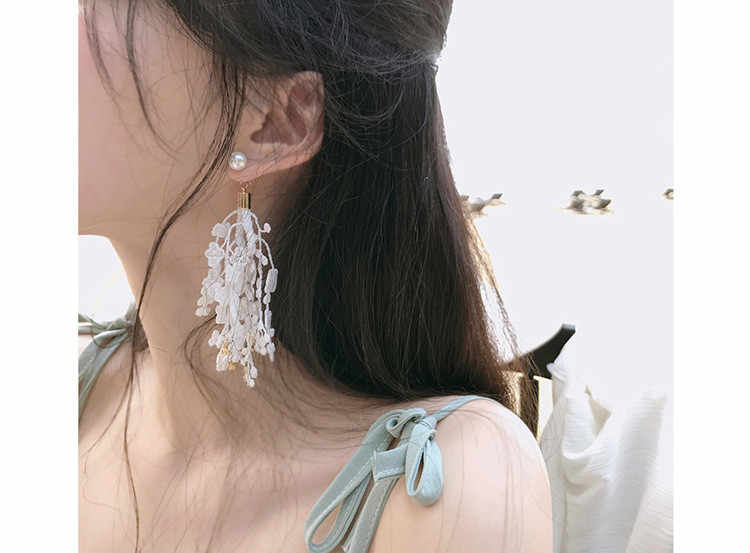 Elegant elegant lace tassel earrings Korean fashion long temperament earrings female personality earrings