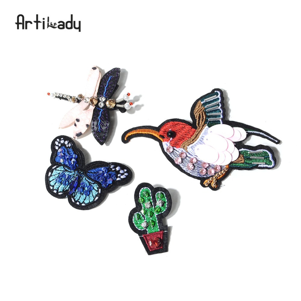 Artilady embroidery bird catus brooch pins lovely butterfly design for womens clothes jewelry party gift dropshipping