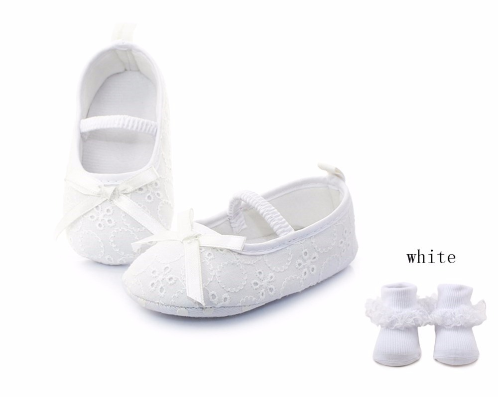 Delebao White Butterfly-knot Hollow Knitting Slip-on Newborn Baby Girl Christening Baptism Princess Shoe+Baptism Socks For 0-12M