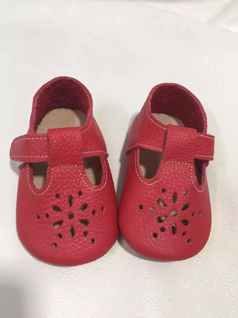 new Styles Baby Soft genuine Leather  Moccasins Girls red Moccs First walkers Shoes Moccasin fretwork design baby girl shoes