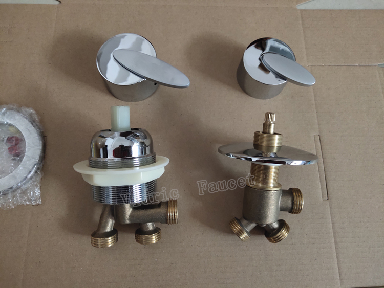 Massage bathtub faucet fittings split , cold and hot water mixing switch tap ,1 in 2 out water divider bathtub conversion valve