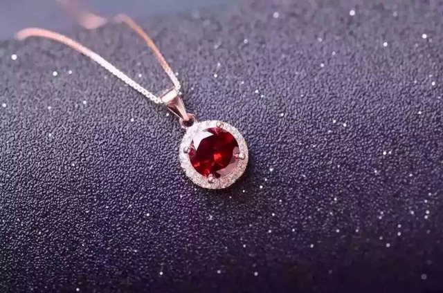 Natural red garnet pendant S925 silver Natural gemstone Pendant Necklace trendy Elegant simple round women party fine jewelry