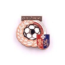 Manufacturer custom football badge 2D3D zinc alloy pin badges