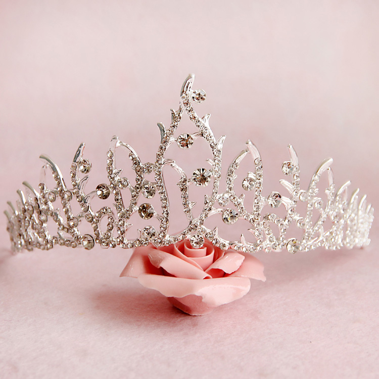 Free Shipping Silver Crystals Tiara Crown Stunning Alloy Jewelry Wedding Hair Accessories 16*6cm 31907