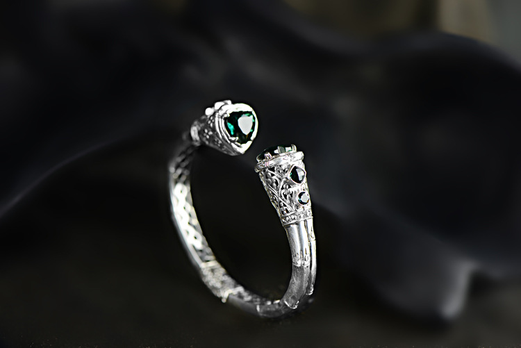 S925 silver jewelry wholesale high-end exotic Bali Island style retro heart-shaped hollow Sterling Silver Bracelet black heart shaped rose pattern retro bracelet