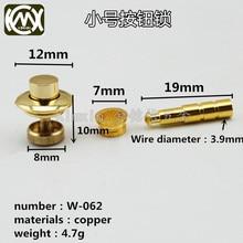 10 pc/lote em estoque material de cobre escuro bloqueio botão caixa de madeira acessórios de ferragem caixa de relógio bloqueio estiramento W 062