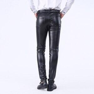 Image 4 - Idopy pantalon en similicuir, coupe cintrée pour homme, jean extensible et confortable, solide, en similicuir, coupe cintrée, poches